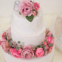 もう知ってる?花冠を飾るフラワークラウンケーキ