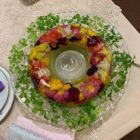 美しい食用花、エディブルフラワーで食卓をアレンジ